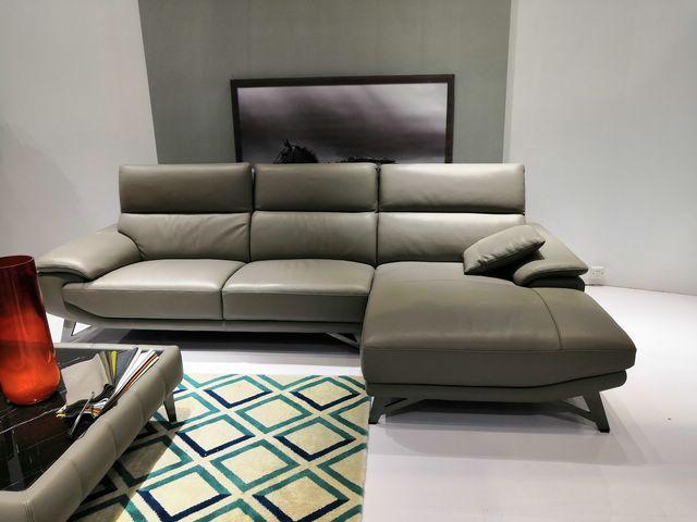 bộ sofa da nhập khẩu cho phòng khách