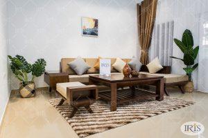 Sofa gỗ óc chó – Lựa chọn tối ưu cho phòng khách cao cấp