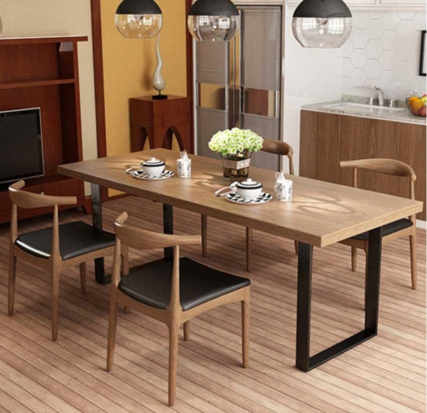 bàn ăn chân sắt mặt gỗ
