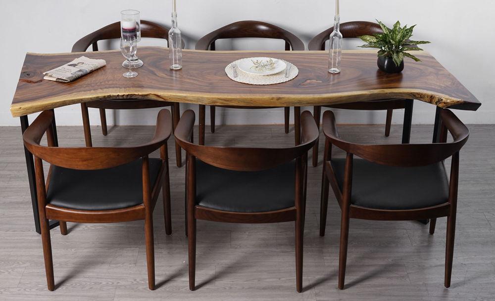bàn ăn chân thép mặt gỗ