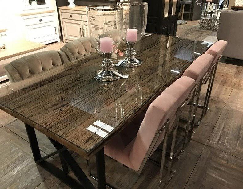 bàn ăn gỗ phủ kính