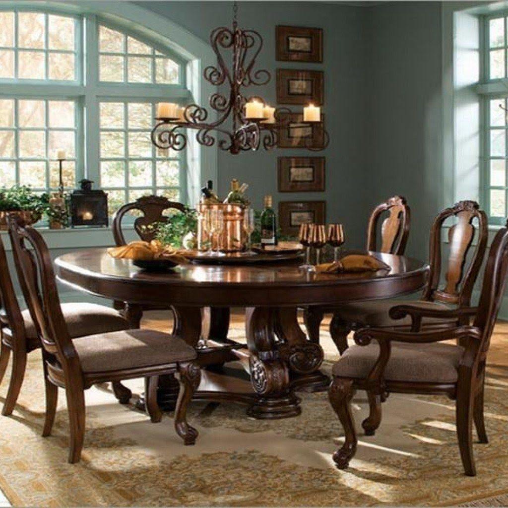 bàn ăn hình tròn bằng gỗ