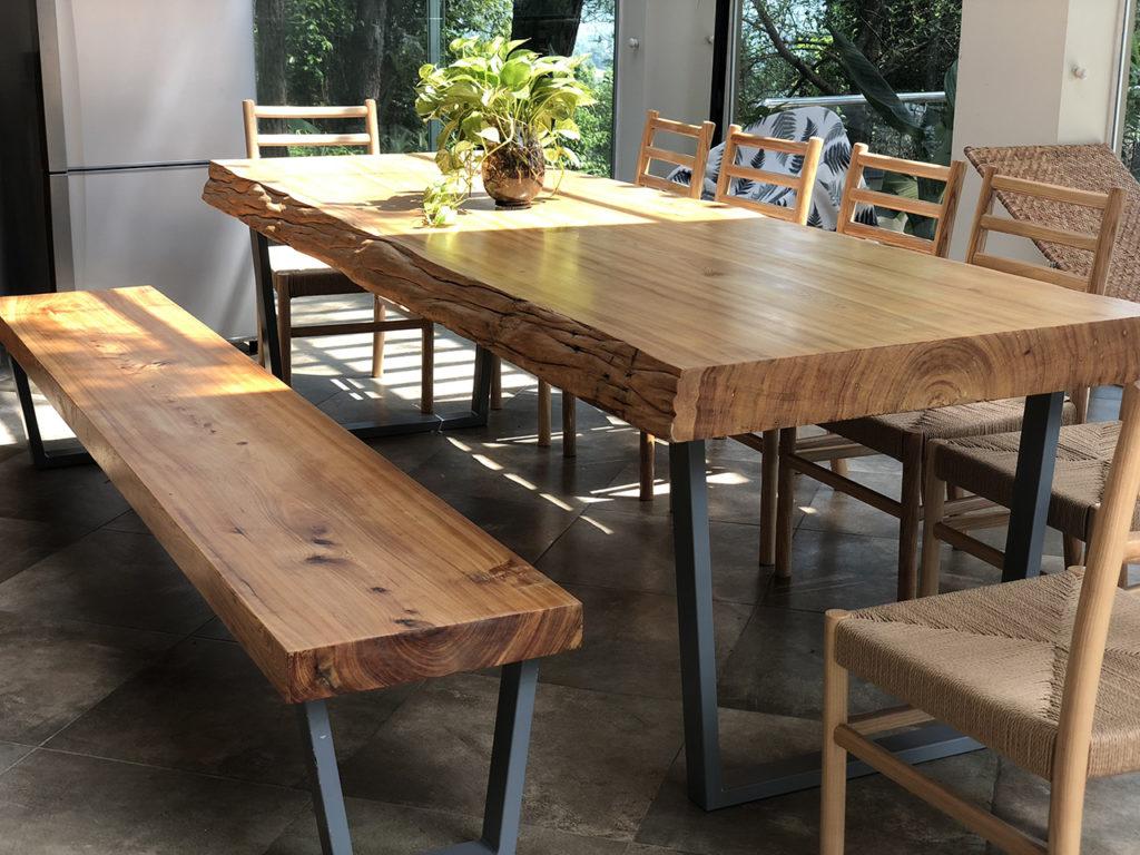 bàn ghế ăn gỗ pơ mu