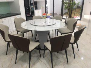 Có nên chọn bàn ăn tròn xoay trong nội thất phòng ăn gia đình?