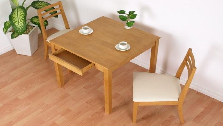bàn ăn vuông