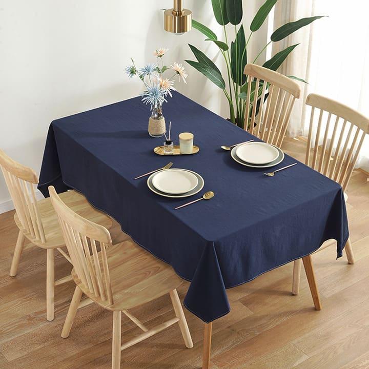 trang trí bàn ăn bằng bộ chén bát